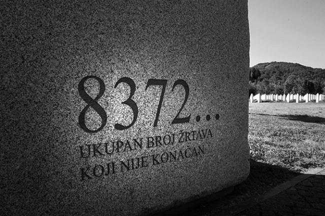 Srebrenica: venti che scuotono il silenzio - Srebrenica: winds that shake the silence